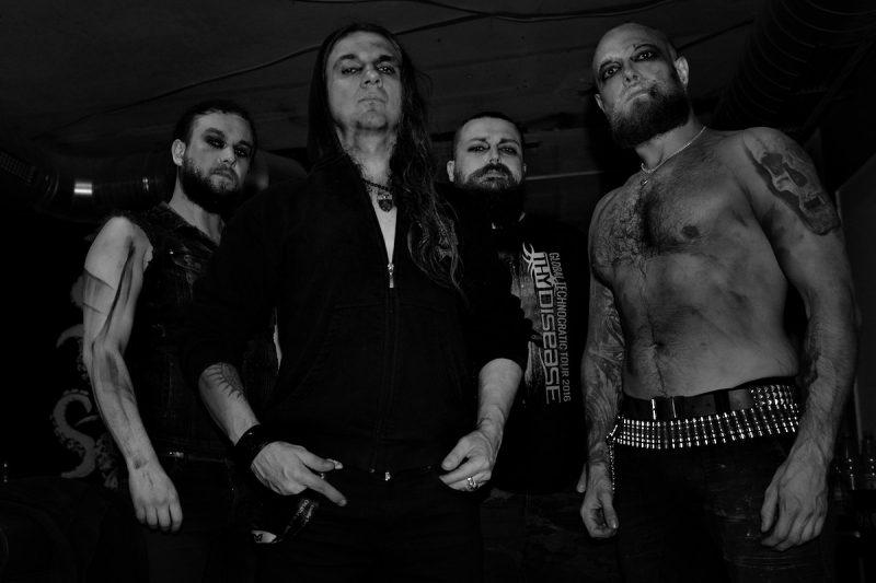 """die polnische deathmetal band """"hate"""" posiert für ein foto"""